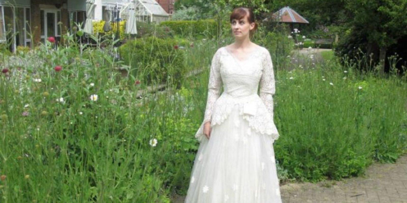 Y ahora se busca al dueño del vestido. Al autor de la extraordinaria nota y esposo de la mujer dueña de esta prenda. Foto:vía eBay