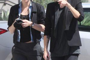 """""""Conocí a la novia de Kristen, me cae bien. ¿Por qué no aceptarla? Es una chica encantadora…"""", expresó. Foto:The Grosby Group"""