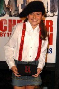 """Interpretó a """"Sarah Baker"""", una niña que a pesar de su edad es una de las más inteligentes de la familia Foto:IMDB"""
