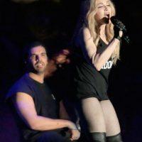 Después de su presentación, la cantante se acercó a Drake Foto:Getty Images