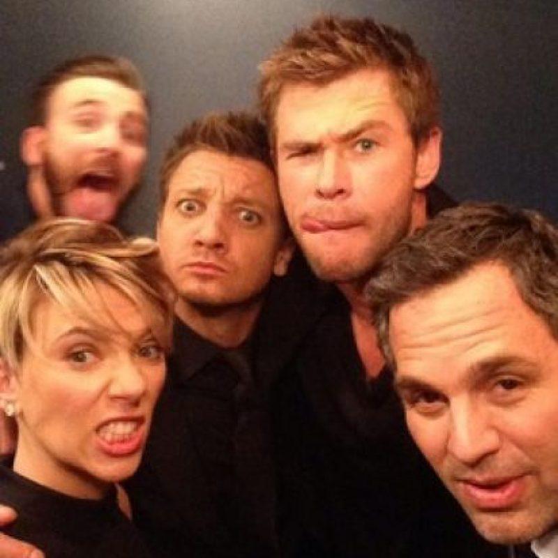 "Horas antes de la premiere de ""Avengers: La era de Ultrón"", los protagonistas de la película asistieron al programa de Jimmy Kimmel Foto:Twitter/jimmyKimmelLive"