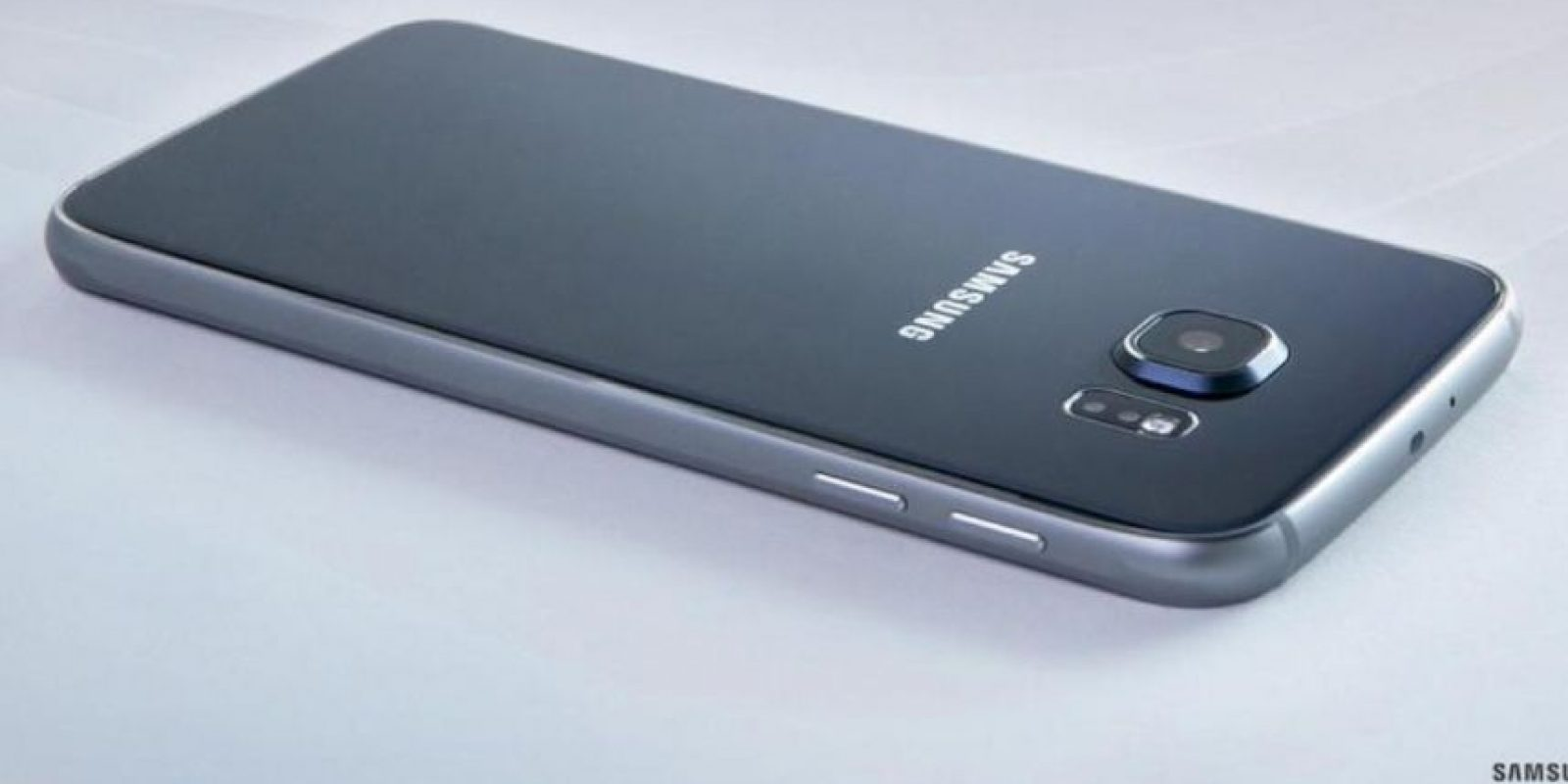 Samsung Galaxy S6 fue introducido a un horno de microondas. Foto:twitter.com/SamsungMobile