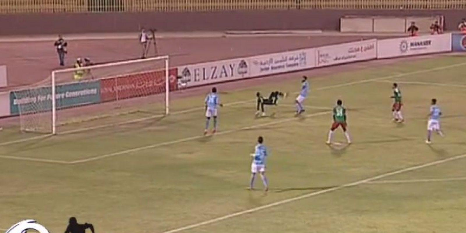 Mohammad Shatnawi, del Al Faisaly, marcó un espectacular tanto en propia meta Foto:Youtube: mohammad qsrawi