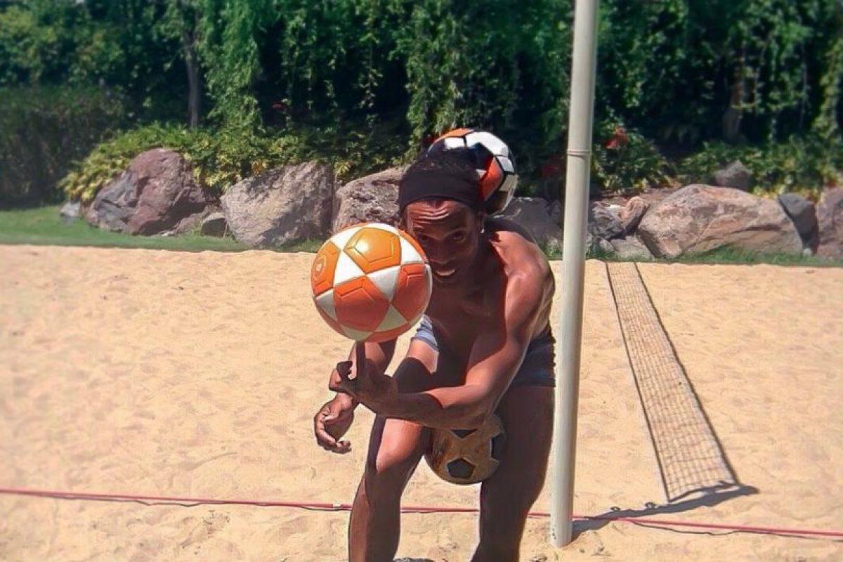 8. El talento no se pierde con la edad. A sus 35 años, aún tiene destellos mágicos como en sus mejores tiempos Foto:Vía facebook.com/RonaldinhoOficial