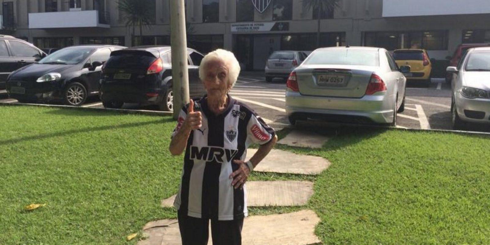 No se pierde ningún partido del combinado brasileño Foto:Vía facebook.com/VovoDoGalo