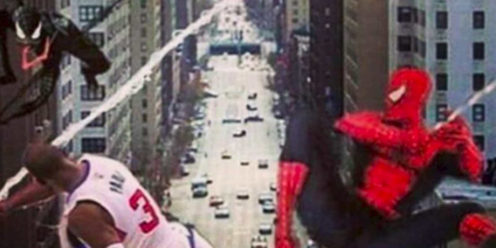 Una de ellas, sobre Chris Paul, se volvió viral Foto:Twitter