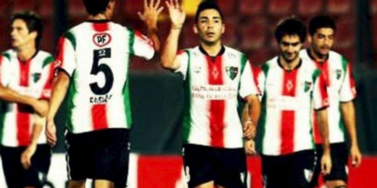 Como premio por avanzar a la fase de grupos de la Copa Libertadores Foto:Getty Images