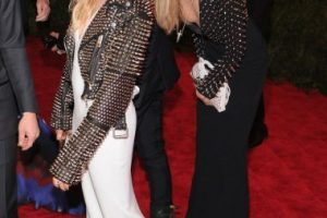 Siena Miller y Cara Delevingne Foto:Getty Images