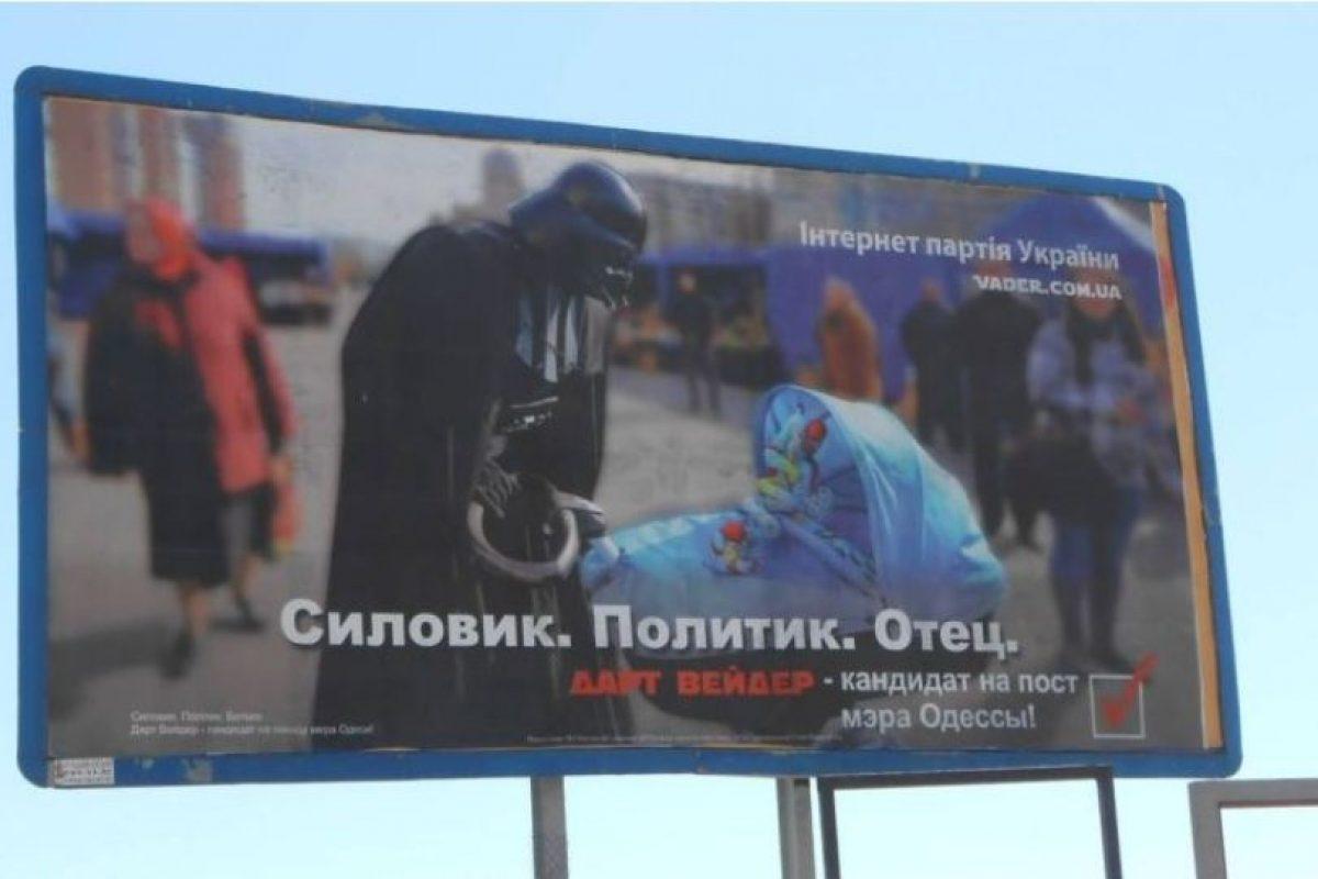 """Representando al Partido de Internet de Ucrania, """"Darth Vader"""", lanzó un promocional y a implementar sus promesas de campaña en mayo del año pasado Foto:Facebook Дарт Вейдер (Darth Vader)"""