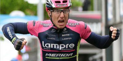 Contador se cae y pierde el liderato del Giro, italianos toman el control