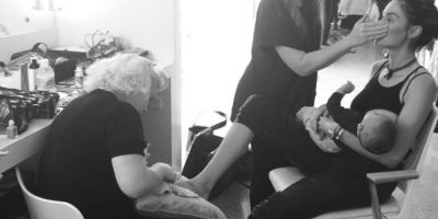 Revista causa polémica por mostrar a modelo amamantando a su bebé