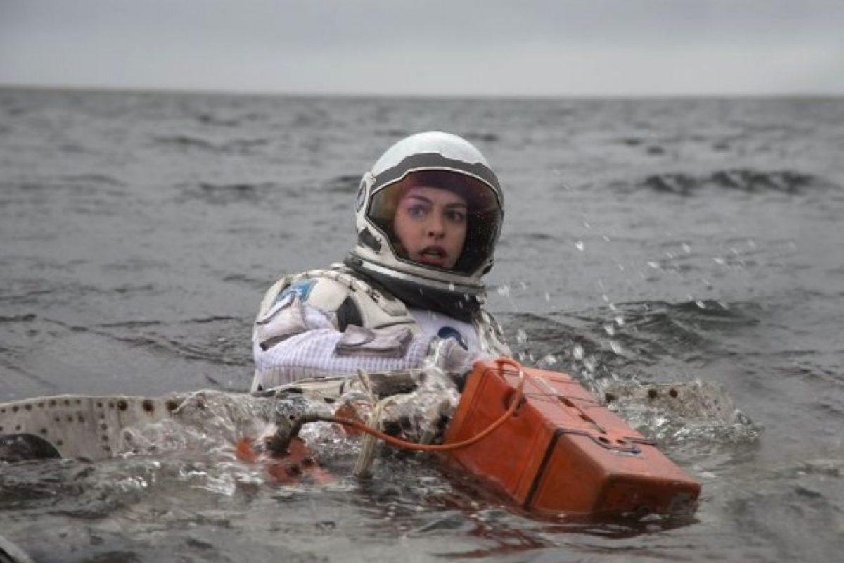 """La actriz narró que estuvo muy cerca de padecer hipotermia, debido a las largas horas que pasó sumergida en el agua fría para la cinta """"Interstellar"""" Foto:IMDB"""