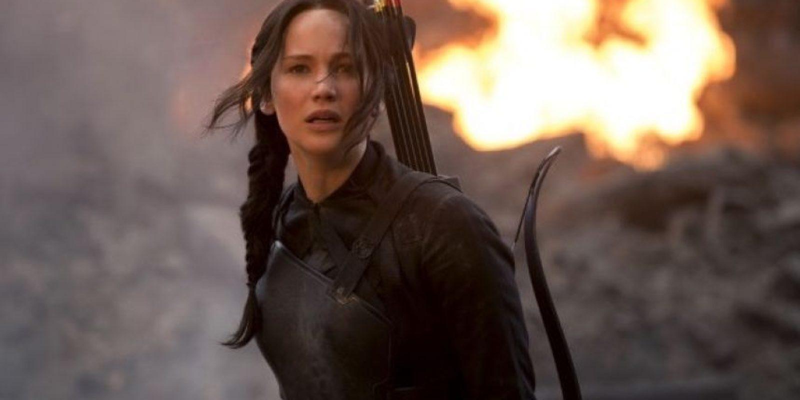"""Jennifer Lawrence casi se ahoga durante las grabaciones de """"Los Juegos del Hambre: Sinsajo parte 1"""", luego de que una máquina de humo descompuesta expulsara grandes cantidades que la dejaron atrapada en un túnel. Foto:Lionsgate"""