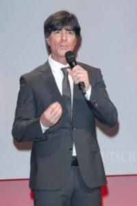 Comenzó su carrera como entrenador cuando aún era jugador activo. Foto:Getty Images