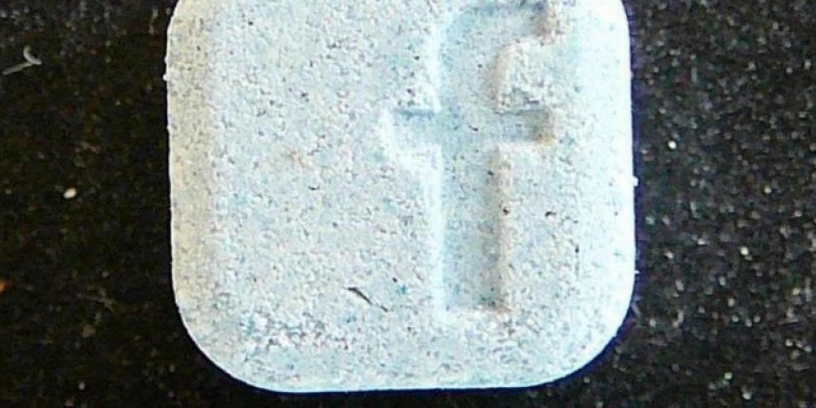 Esta droga se parece al logotipo de Facebook y es peligrosa para quienes la consumen. Foto:Facebook.com/tisztiorvos