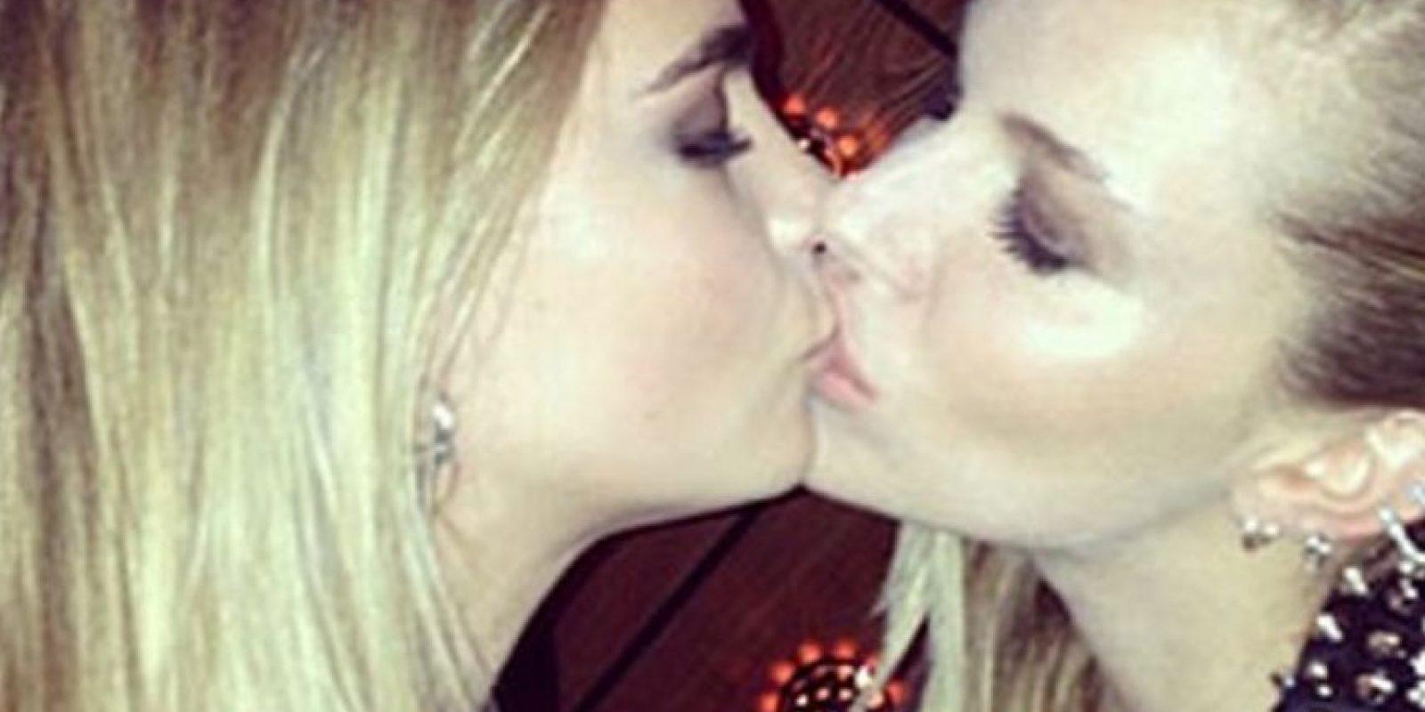 Cara Delevingne y Sienna Miller Foto:Instagram/CaraDelevingne