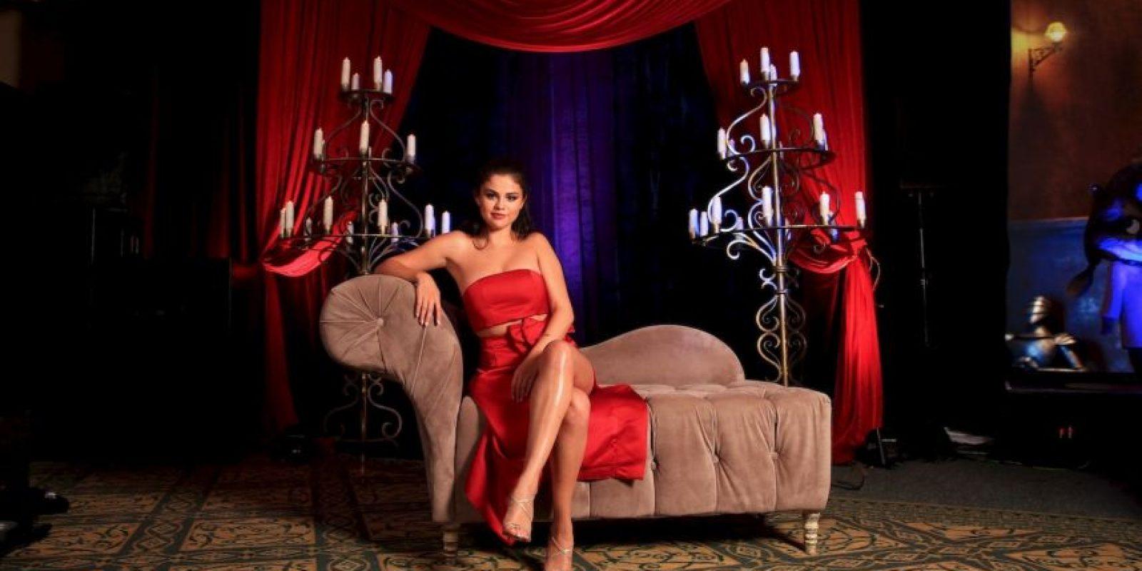 Selena se robó todas las miradas con este vestido rojo Foto:Getty Images