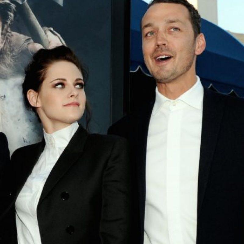 """Luego de cinco años de relación con Robert Pattinson, la actriz inició un romance con el director Rupert Sanders, con quien colaboró en la cinta """"Blancanieves y el Cazador"""". Foto:Getty Images"""