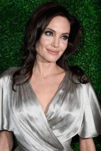 """Luego de protagonizar la película """"Sr. y Sra. Smith"""", Angelina Jolie se enamoró de Brad Pitt, que estaba casado con Jennifer Aniston. Foto:Getty Images"""
