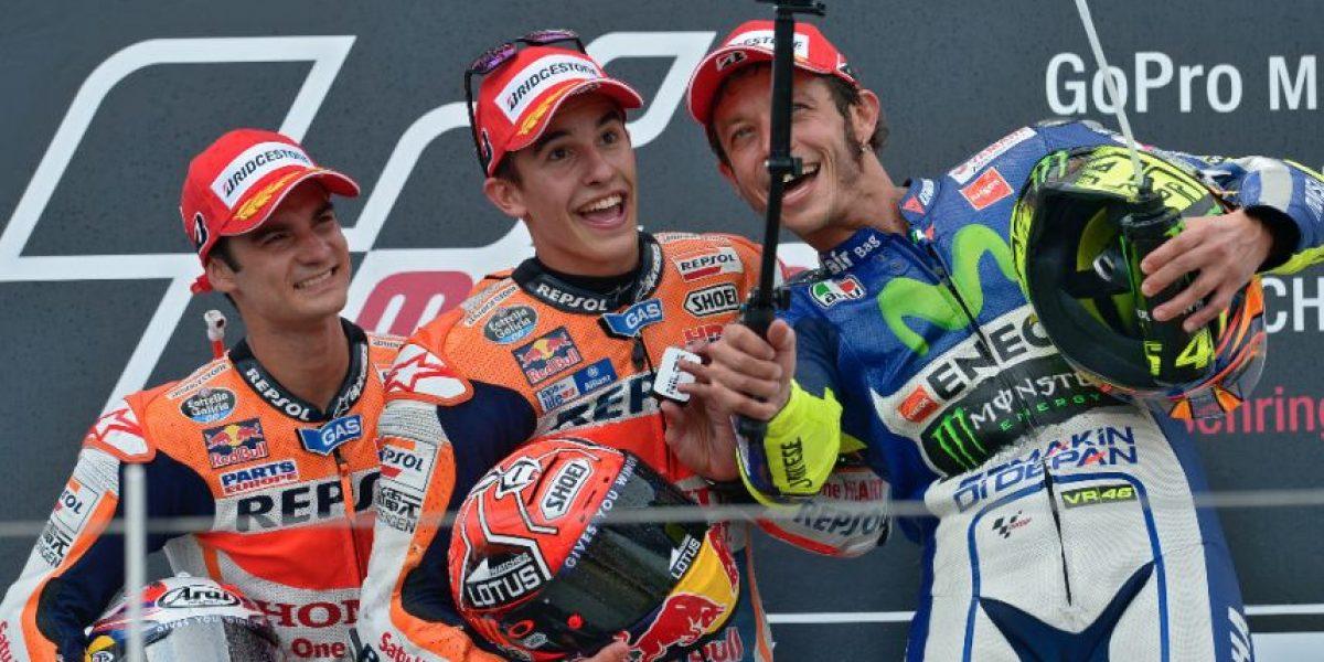 FOTO. Márquez le quita la sonrisa al líder mundial con un ritmo endiablado