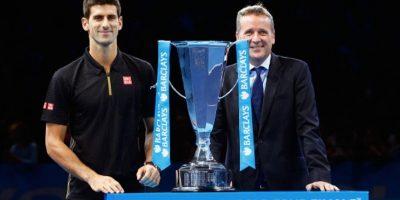 El serbio obtuvo el campeonato ante el retiro de Federer. Foto:Getty Images