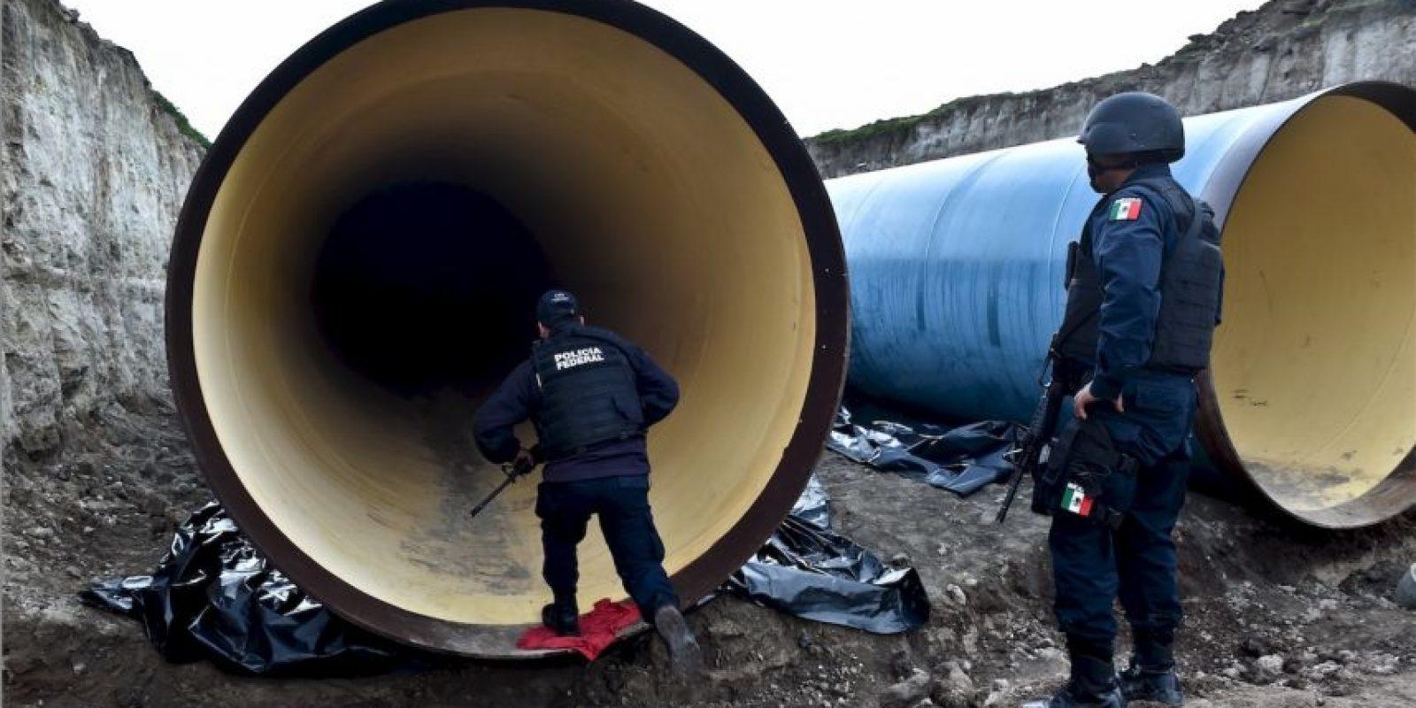 """""""Dicho orificio comunica a su vez con un conducto vertical de aproximadamente 10 metros de profundidad, habilitado con una escalera"""", explicó el funcionario mexicano. Foto:AFP"""