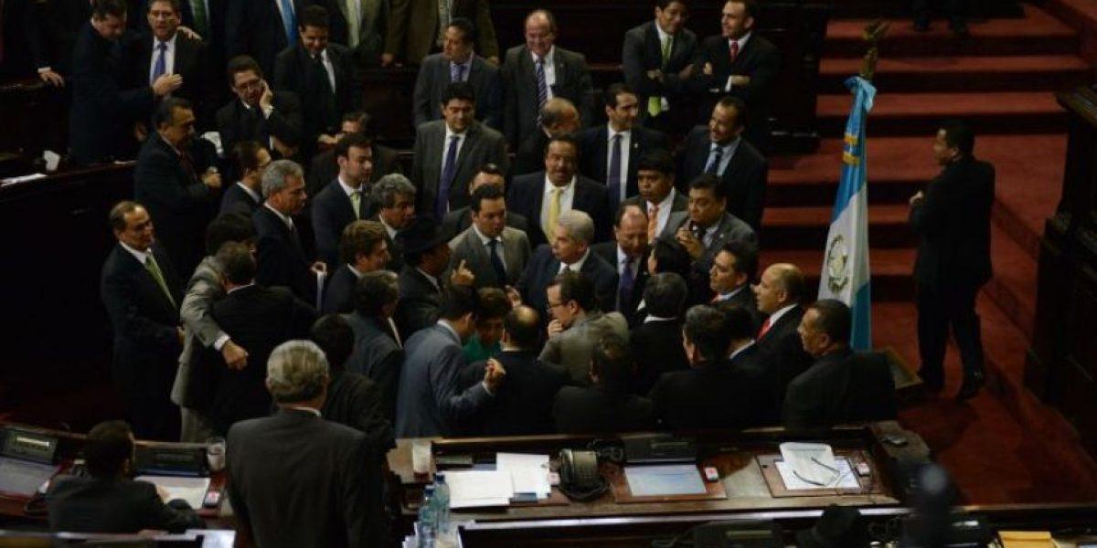 Fracasa plenaria por ausencia de bancada Líder
