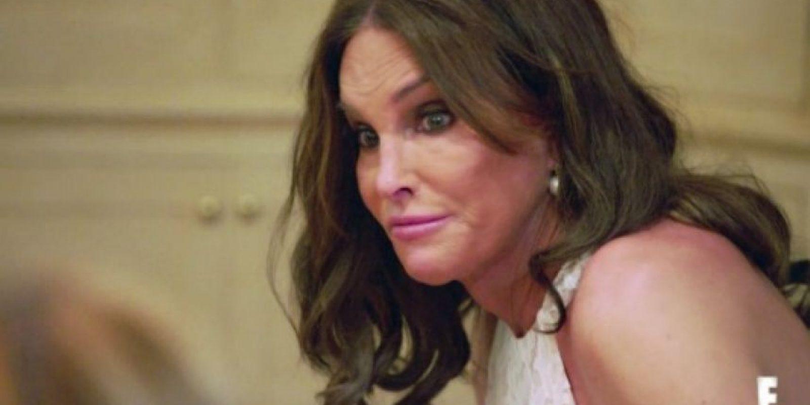 En el primer episodio Caitlyn muestra su preocupación sobre su responsabilidad de ser la mujer transgénero más famosa del mundo. Foto:E! News