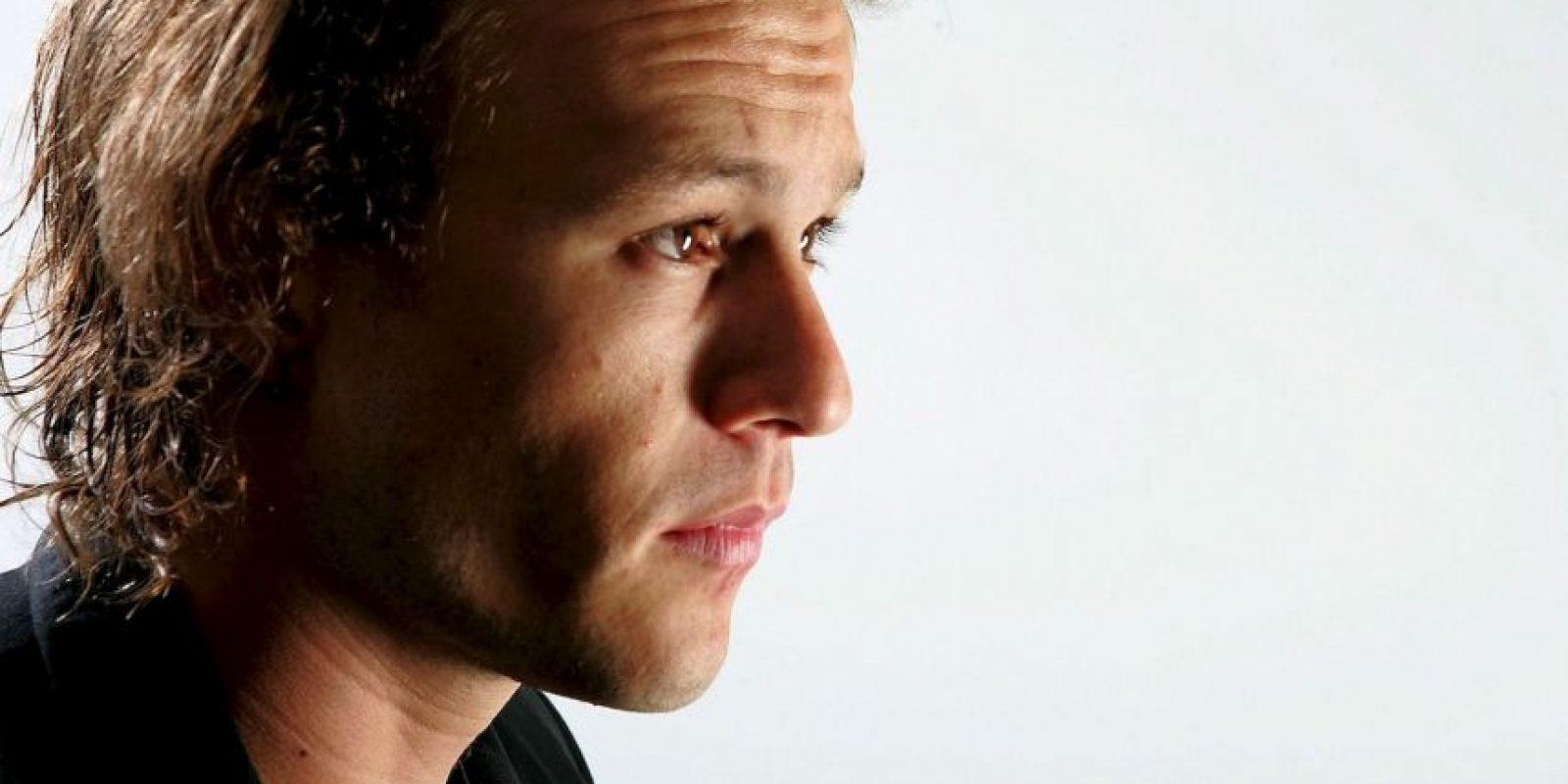 """El actor Steven Alexander narró, a la revista """"Vanity Fair"""", que Ledger sufría con la presión mediática, pues pensar en una simple alfombra roja lo sumía en una profunda aflicción. Foto:Getty Images"""