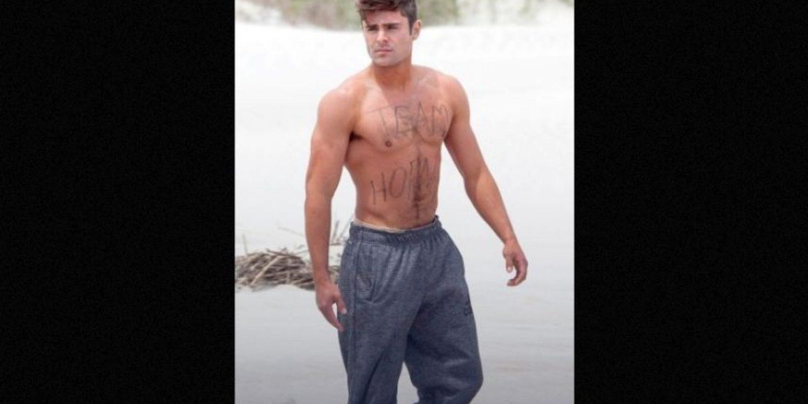 Zac Efron se paseó semidesnudo por las calles de Georgia en Estados Unidos. Foto:Grosby Group