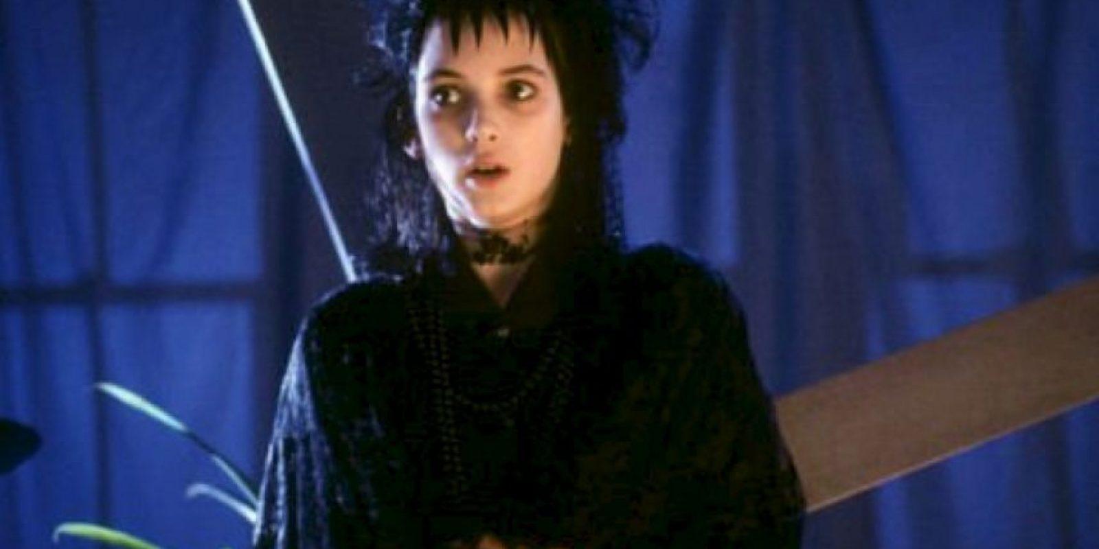 "Interpretó a la sombría joven ""Lydia Deetz"". Foto:IMDB"