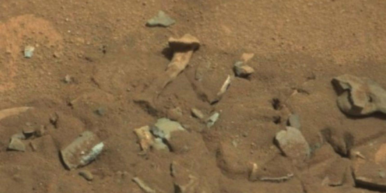 Se descubrió en agosto de 2014 Foto: Foto original en http://mars.jpl.nasa.gov/msl-raw-images/msss/00719/mcam/0719MR0030550060402769E01_DXXX.jpg