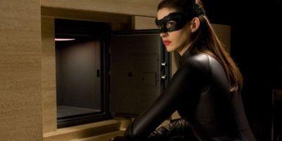 """Por su parte, a la sensual ladrona """"Catwoman"""" la conocen como """"Gatúbela"""". Foto:IMDB"""