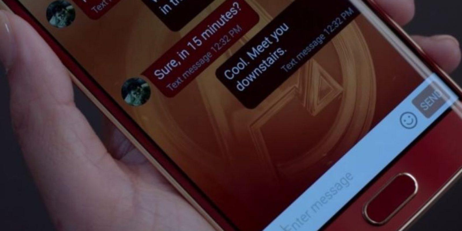 Cuenta con una pantalla AMOLED de 5.1 pulgadas. Foto:Samsung