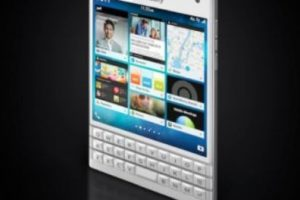 Su pantalla cuadrada táctil es de 4.5 pulgadas, su procesador es Qualcomm Snapdragon 801 de cuatro núcleos a 2.2 GHz, cámara posterior de 13 megapixeles, frontal de 2 megapixeles y batería de 3.450 mAh. Foto:BlackBerry