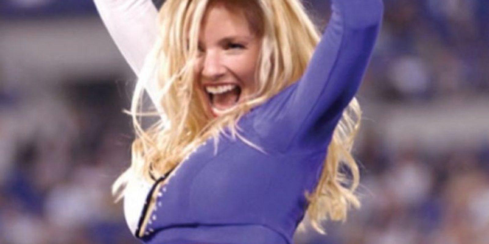 De acuerdo a los cargos, tuvo sexo oral en la vía pública con él Foto:Vía MollyShattuck.com
