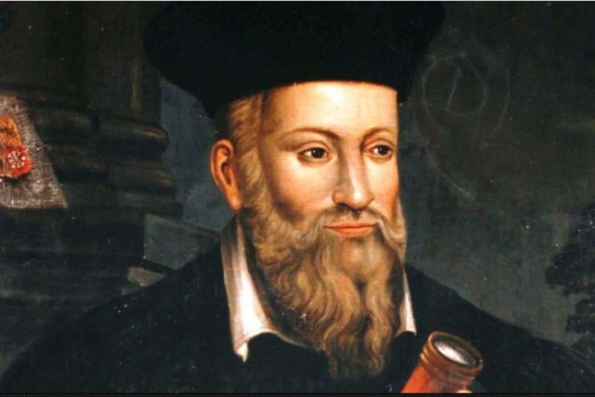 A Nostradamus se le han achacado miles de profecías sobre el fin del mundo. Unos dicen que según el astrólogo, el mundo se acabaría en 2018, otros afirman que en 3797. Foto: vía Wikipedia