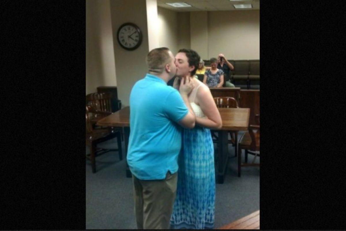 """Los hechos sucedieron en el condado de Smith, a 158 kilómetros de Dallas, Texas, donde el juez Randall Rogers sentenció al joven Josten Bundy, de 20 años, una """"cadena perpetua"""" en matrimonio con su novia Elizabeth Jaynes, de 19 años. Foto:Facebook.com/elizabethjaynes16"""