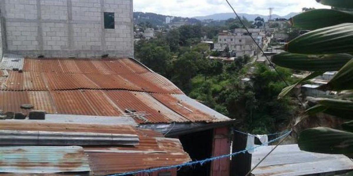 Vecinos de Tierra Nueva se encuentran en albergues por riesgo de derrumbe
