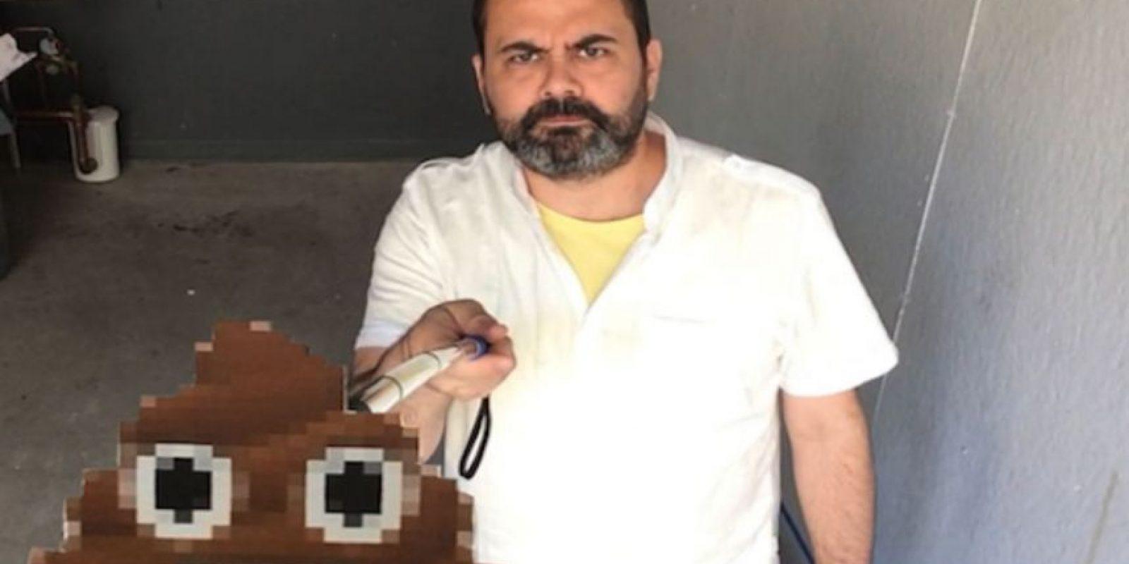 Al respecto, Pablo García, practicante de maestro de arte en Chicago, criticó el significado de este objeto utilizando emojis en un video Foto:Vimeo / Pablo García