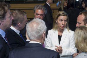 Los ministros de Asuntos internos y externos de la Unión Europea se reúnen para tratar el tema de los migrantes muertos en el Mar Mediterráneo Foto:AP