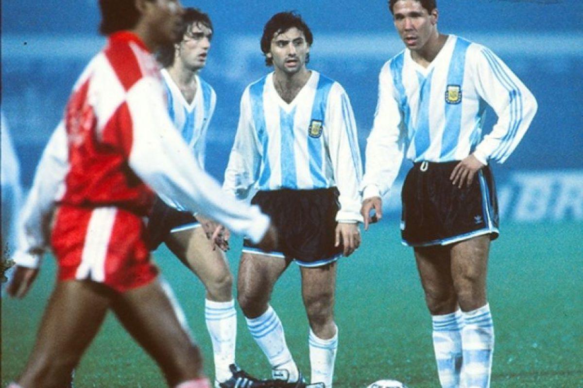 La estadística favorece a los argentinos en esta ocasión, pues en sus últimas cuatro visitas a Chile, se llevaron el trofeo sudamericano. Foto:AFP