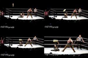 Pero un aficionado lanzó un maletín que golpeó en la cabeza de Reigns Foto:Twitter