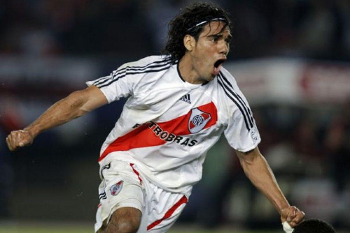 """Debutó profesionalmente con los """"Millonarios"""" en 2005 ante Gimnasia y Esgrima La Plata, en partido del Torneo Clausura 2005. Foto:flickr.com"""