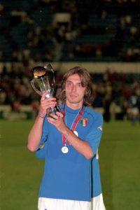 A los 16 años de edad, Pirlo debutó con el Brescia en partido de la Serie A frente al Reggina. Foto:Getty Images