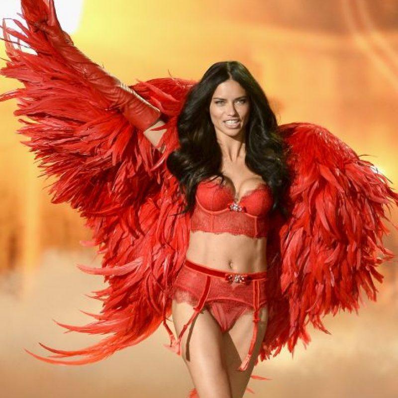 """Es muy conocida por ser una de los """"ángeles"""" de Victoria's Secret. Foto:Getty Images"""