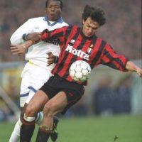 3. Otras Supercopas disputadas entre clubes del mismo país fueron las ediciones de 1990 y 1993 en la que se enfrentaron equipos italianos. En 1990, el AC Milán venció a la Sampdoria y en 1993, perdió frente al Parma. Foto:Getty Images
