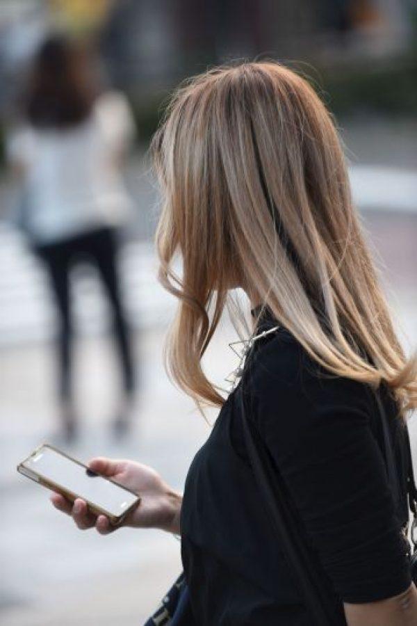 5. Obsesionarse con llamarle o escribirle. Foto:Getty Images
