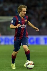 Podría dar el salto de la filial al primer equipo aprovechando la salida de Xavi, pero es la opción menos probable, pues el croata no ha tenido buenas actuaciones con el Barça B esta temporada. Foto:Getty Images