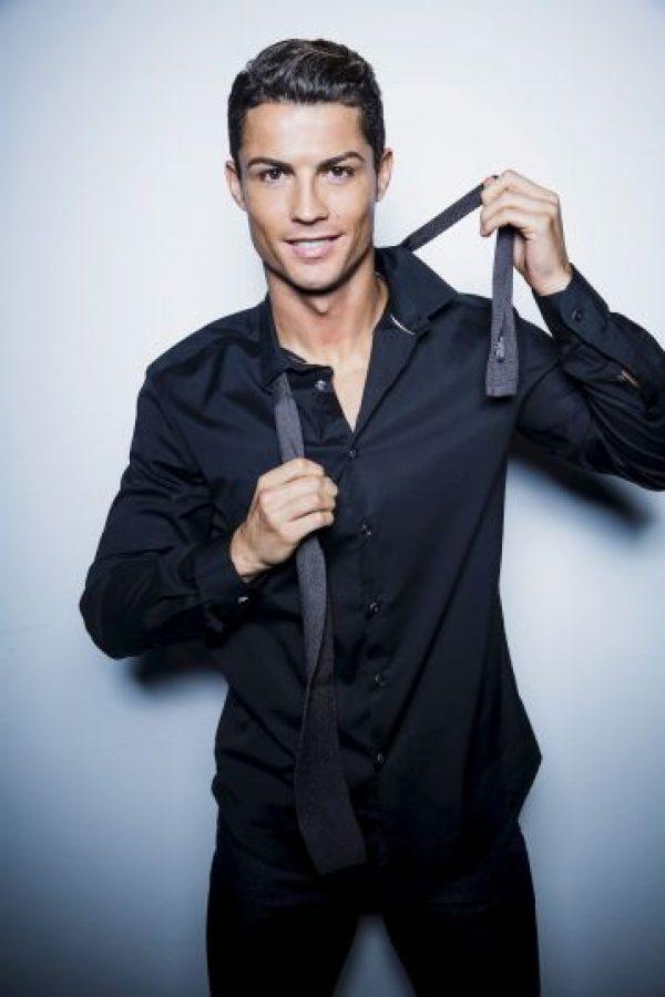 De acuerdo con el propio futbolista, la fragancia estará lista a finales del verano europeo (septiembre). Foto:Getty Images